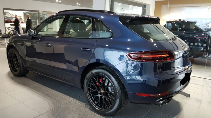 Gts Night Blue Metallic Am I Dreaming Porsche Macan Forums