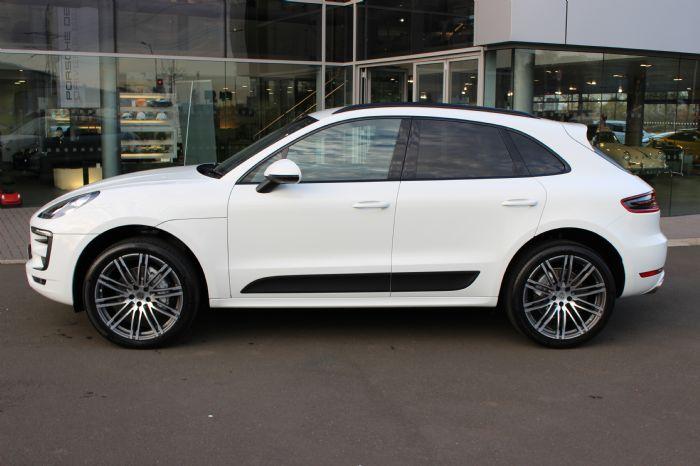 White Diesel S Sport Design Pkge 21 Turbo Wheels Porsche Macan Forums