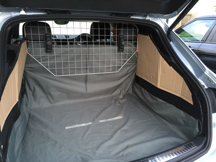 Dog Space In My Macan Porsche Macan Forums